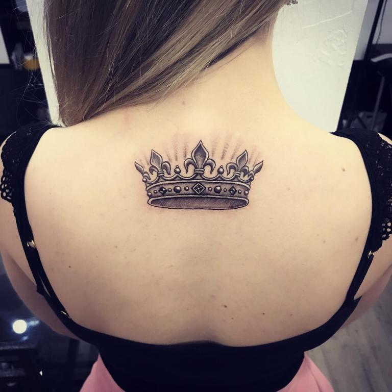 Тату корона