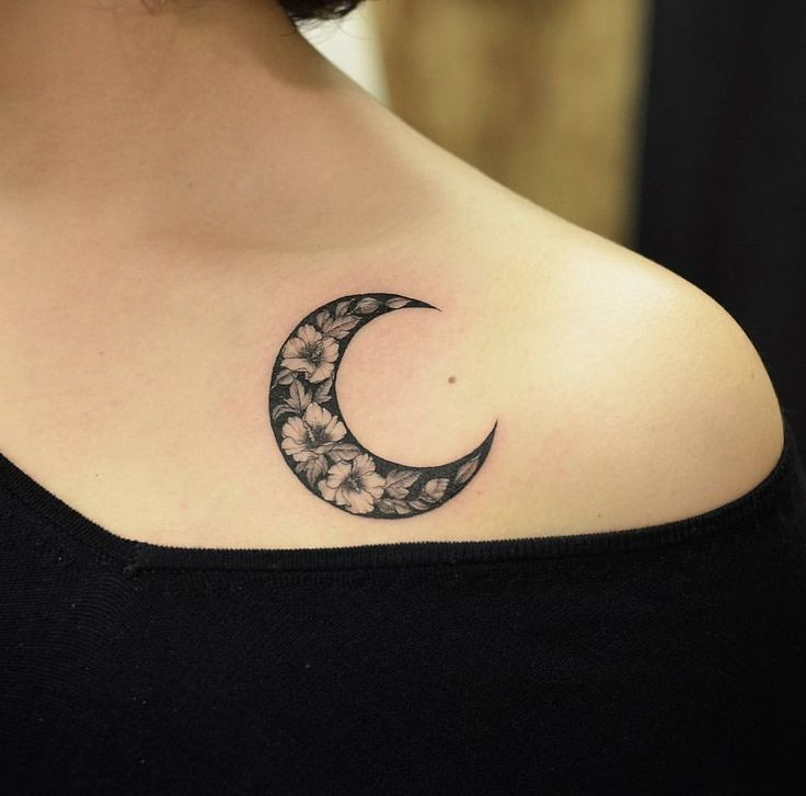 Татуировка луна
